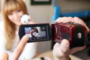 Что выбрать: зеркальный фотоаппарат, видеокамеру или обычный цифровик?